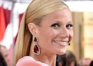 La cara de Gwyneth Paltrow tras someterse a un estiramiento con hilos