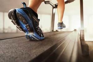 En las primeras etapas de la recuperación de una rinoplastia hay que evitar hacer ejercicios vigorosos.